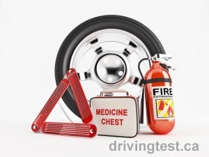 Emergency Kit Items You should have in Your Car this Winter